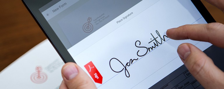 Adobe-Experience-Manager-Forms_firma-digitale-768x307